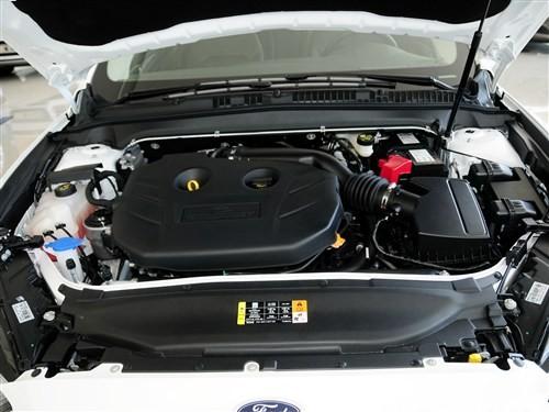 试驾福特2013款新蒙迪欧体验极致操控 高清图片