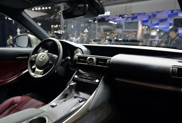 新车上市 雷克萨斯新款IS 6月上市 预售33.5万元起