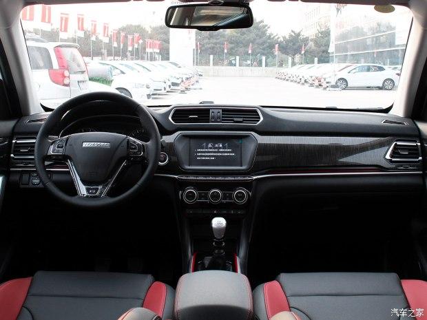长城汽车 哈弗H2 2017款 蓝标 1.5T 手动四驱尊贵型